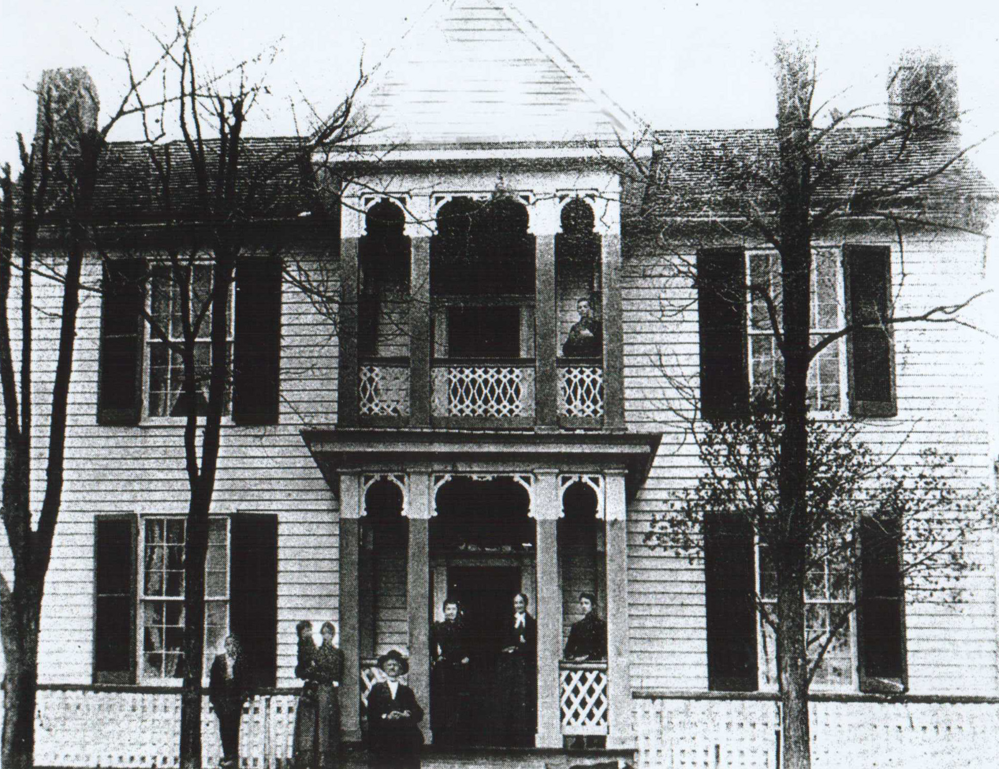 The dr robert b mcnutt house for The princeton house