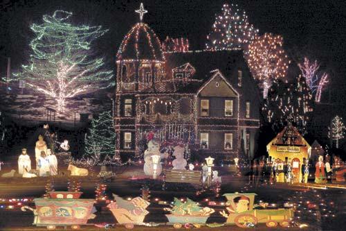 - Victorian House Christmas Lights