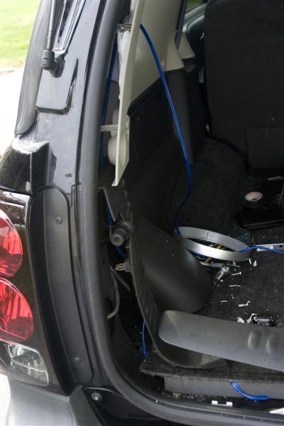 My version of an amp install - Chevy TrailBlazer, TrailBlazer SS and GMC Envoy Forum